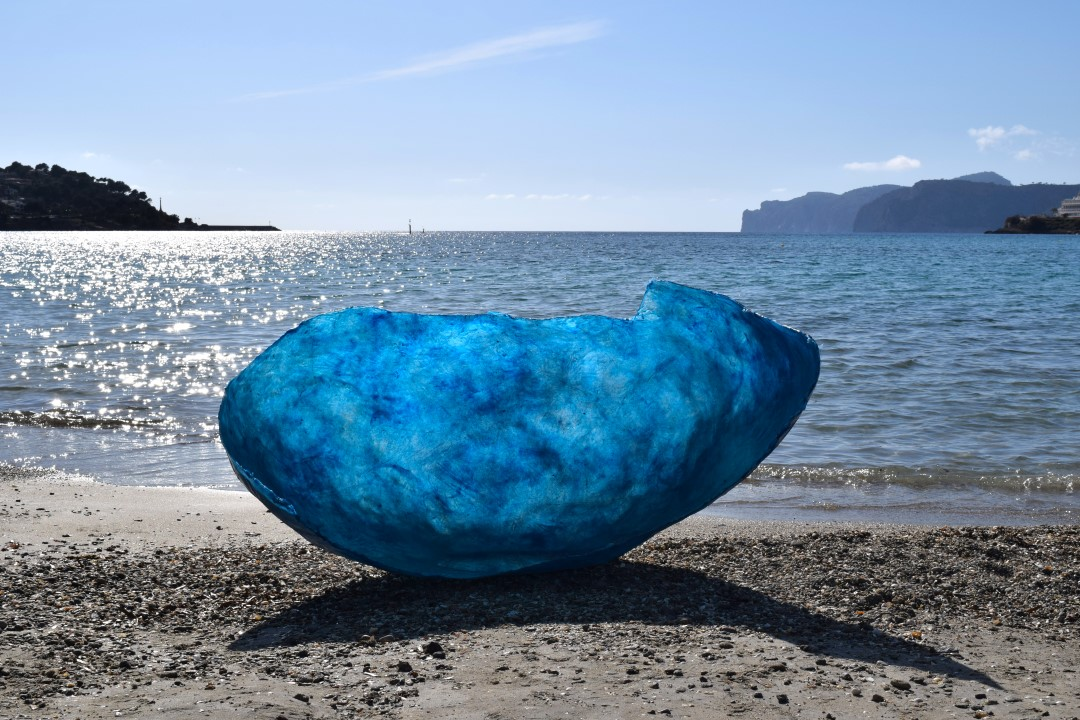 Not Yet X., resin, fiberglass, pigmente, size: 93 x 130 x 75 cm, 2016, 12.000 €
