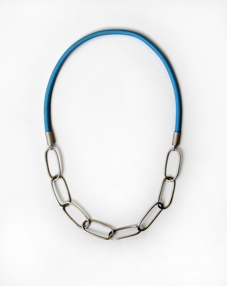 chain necklace, textile, silver 925, 2015, 420 €