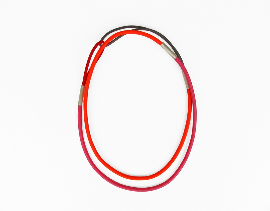 extended cord necklace, textile, elastic film, silber 925, 340 €