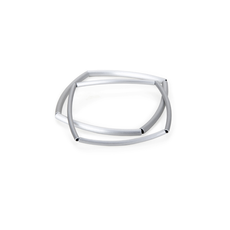 Armband arco 4/8, aluminium pipe, anodized, silicone, nature and gold. Ø 4: 45 €, Ø 3: 40 €, Ø 3: 75 €