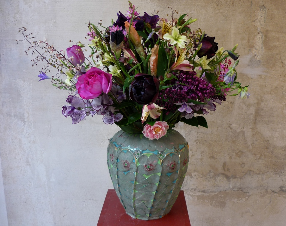 Urn-vase by Kati Jünger, flowers by Anna Lindner