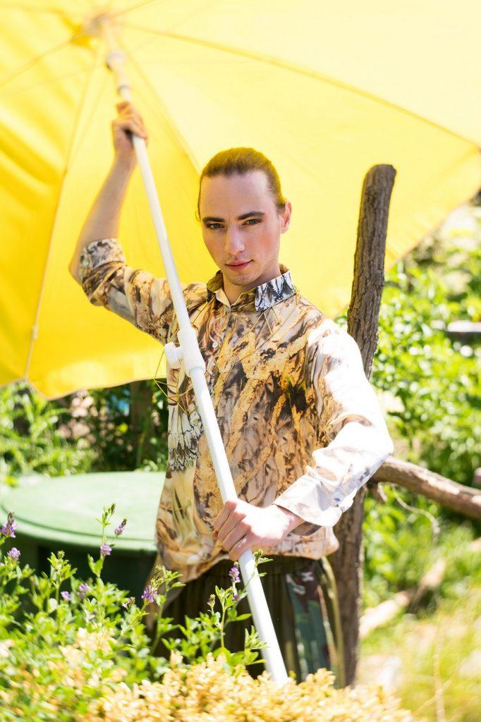 Holzmarkt 25 Antonio Castello Fotoshooting Paulina's Friends, Bluse von Eastlondon, Kette von Sofia Beilharz, Hose von Djofra