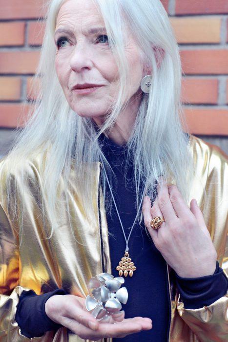 Friederike Rohse Gold Schmuck Jacke Paulina's Friends Anna von Rüden