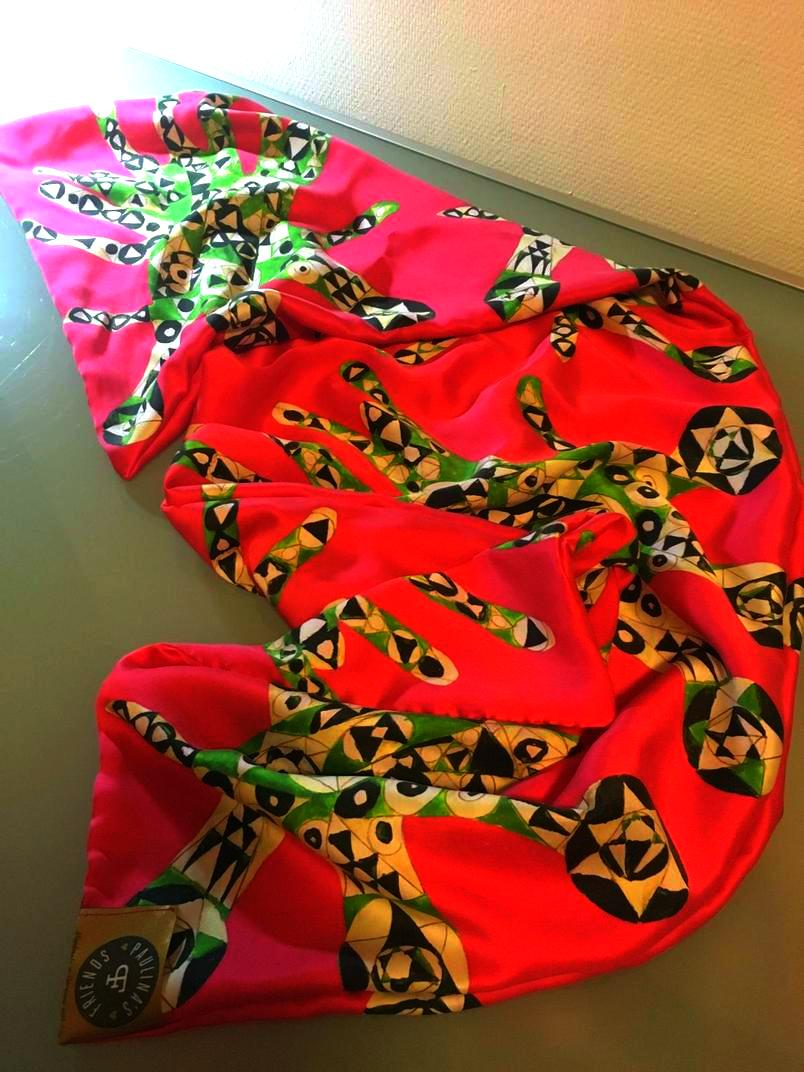 Tuch Seide pink grün massgeschneidert